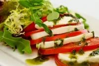 Мацарелла с томатами
